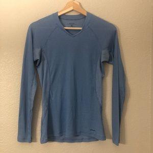 Patagonia Lightweight Vneck Layering Shirt Sz S